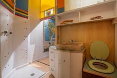 Bathroom/Secret Passageway